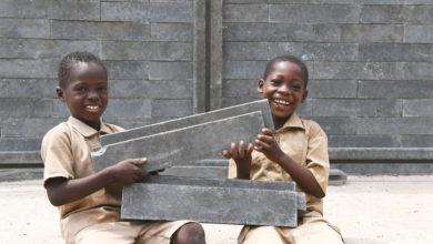 Bénin : Des salles de classe bientôt construites à base de déchets plastiques